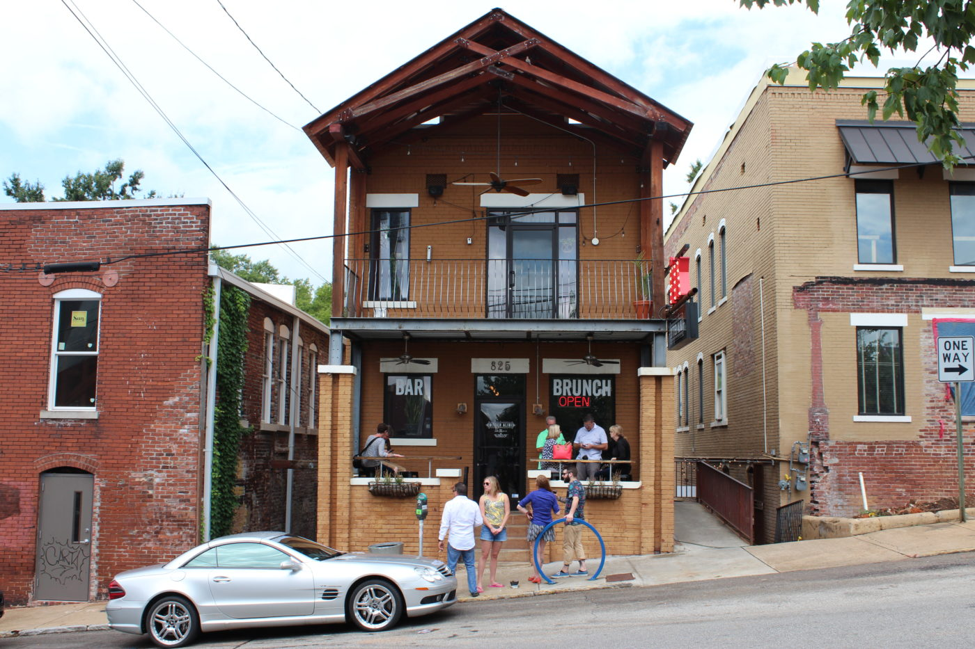 The Bitter Alibi is located on Houston Street in Chattanooga, TN. Great for dinner, drinks or just hanging out with friends.