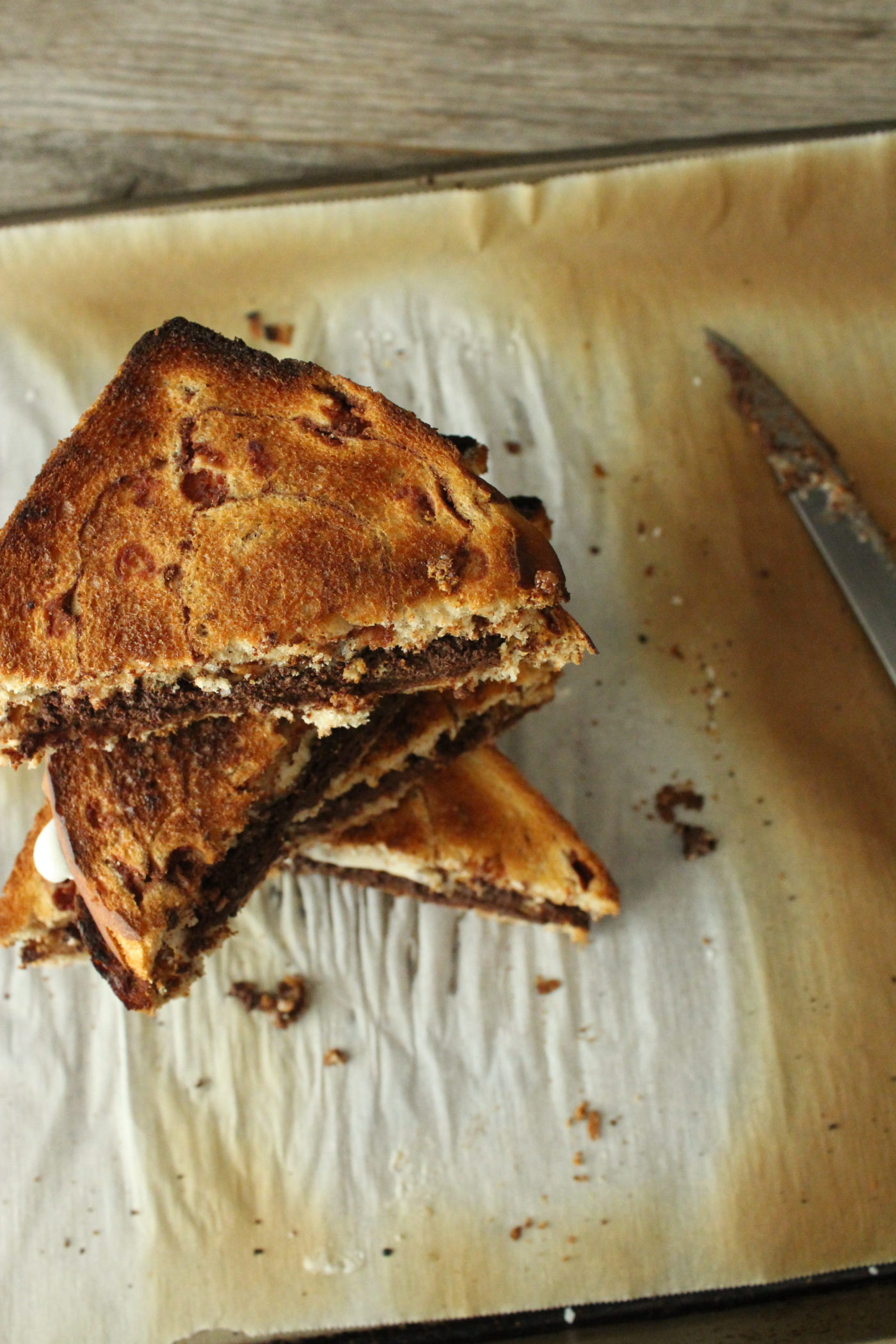 Burnt cinnamon toast s'mores | Eat.Drink.Frolic.
